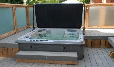Keep Your Hot Tub Or Spa Clean the Easy Way