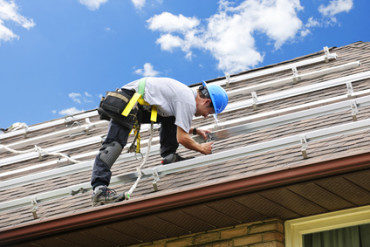 How to Safely Hire a Roofing Contractor