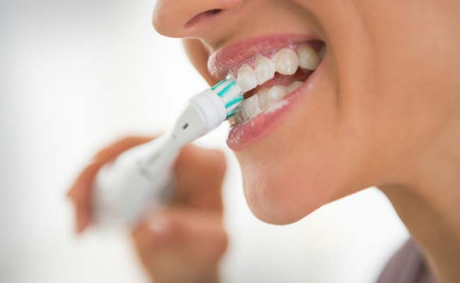 Some Common Mistakes you commit while Brushing your Teeth