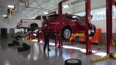 5 Reasons to Service Your Vehicle at an Independent Auto Repair Shop